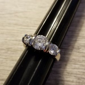 .925 Sterling Sliver and CZ Ring sz 5 1/2